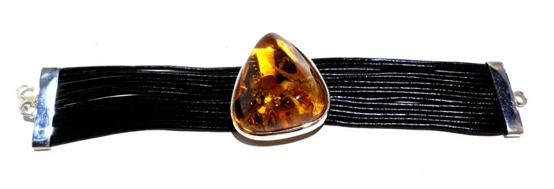 Amber bracelet with rubber strands
